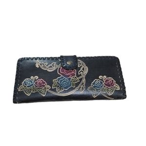 Wallet folded black with floral